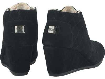 TOMS Suede With Shearling Women's Desert Wedge Black Quilted