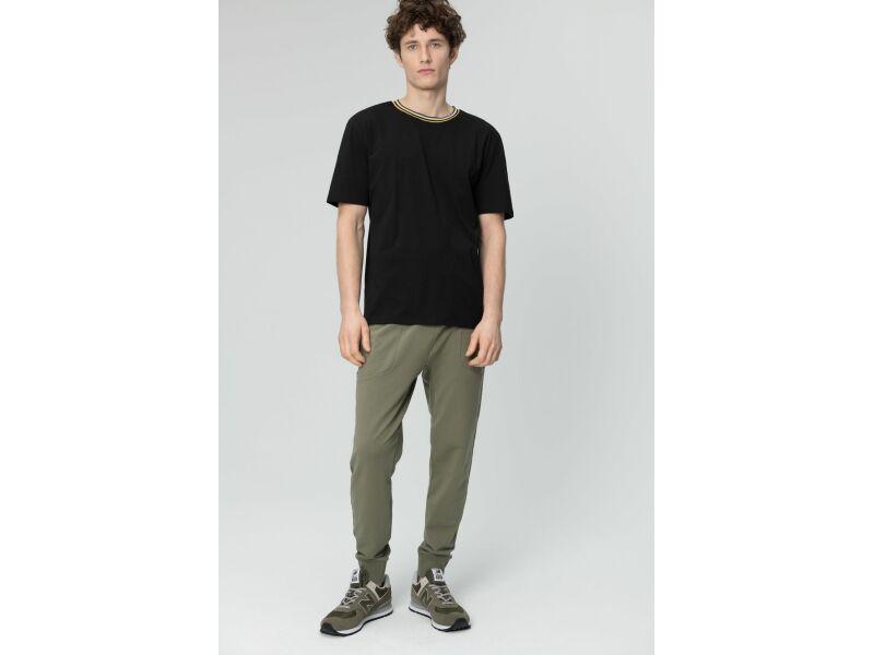 AUDIMAS Tamprūs medvilniniai marškinėliai 2011-642 Black